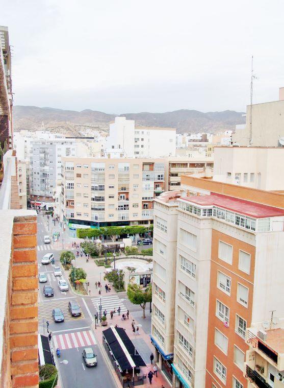 Dsc02266 557 760 inmobiliaria piquer for Oficina catastro almeria