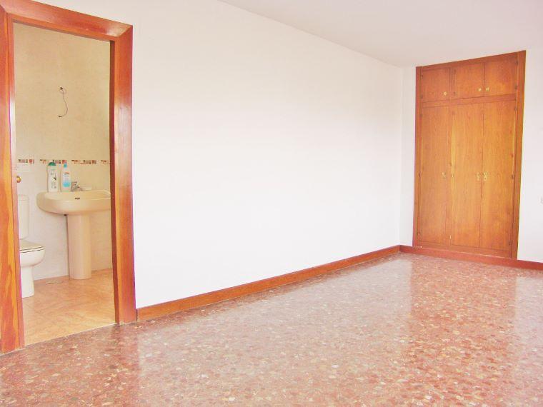 Dsc02276 760 570 inmobiliaria piquer for Oficina catastro almeria