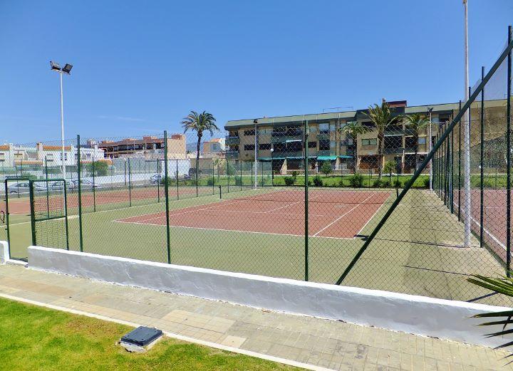 Dscf6201 720 521 inmobiliaria piquer for Oficina catastro almeria
