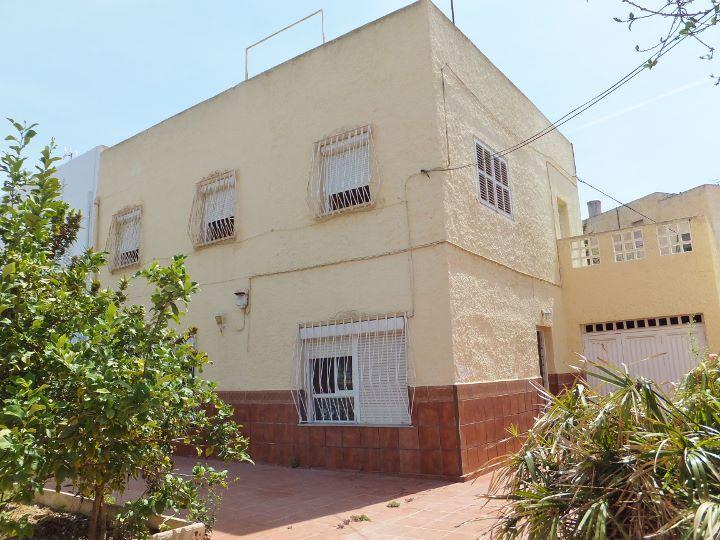 Dscf6068 720 540 inmobiliaria piquer for Oficina catastro almeria