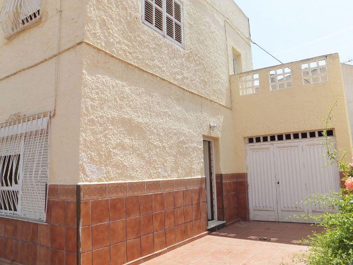 Dscf6073 720 540 inmobiliaria piquer for Oficina catastro almeria