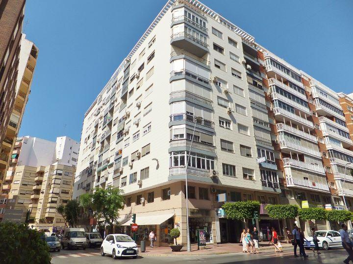 Dscf6810 720 540 inmobiliaria piquer for Oficina catastro almeria