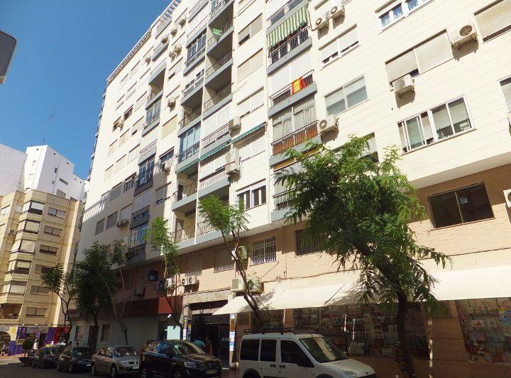 Dscf6811 720 533 inmobiliaria piquer for Oficina catastro almeria