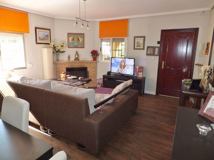 Dscf7902 720 540 inmobiliaria piquer for Oficina catastro almeria