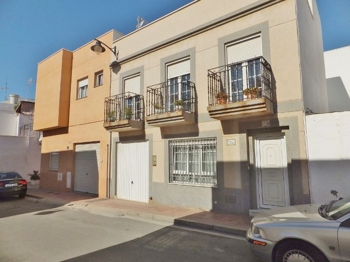 Dscf8136 720 540 inmobiliaria piquer for Oficina catastro almeria